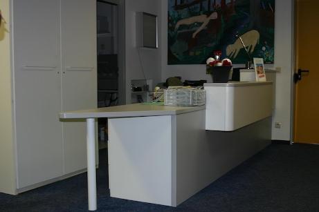 stadt erlangen behindertenwegweiser stadtf hrer h rdenlos. Black Bedroom Furniture Sets. Home Design Ideas